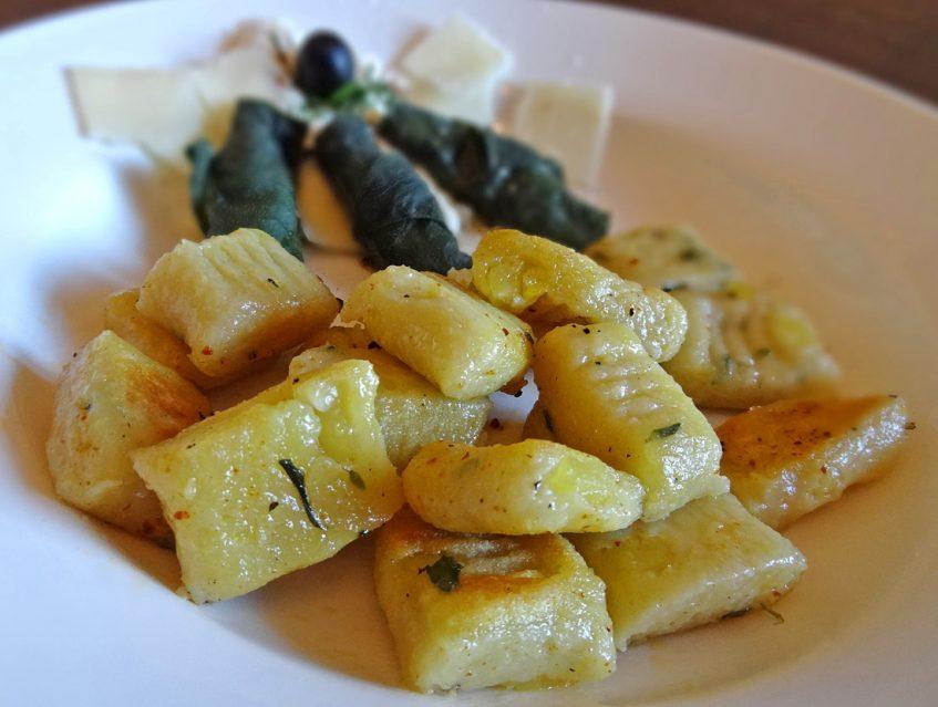 Gnocchi mit Thymian und Beinwell-Käserollen