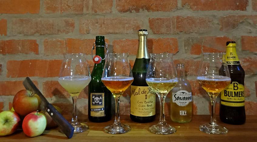 Auswahl von Cider und Cidre für das Tasting