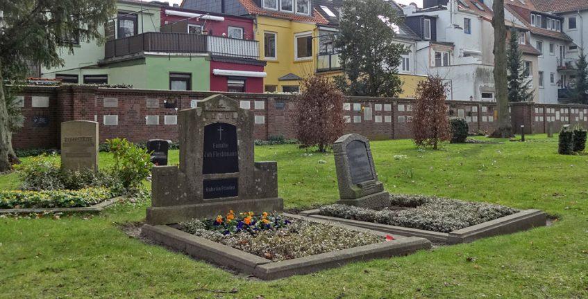 Familiengrab Joh. Flechtmann - hier soll Fisch-Lucie ihre letzte Ruhe gefunden haben