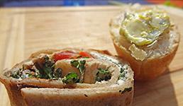Brote mit Wilkräutern und Löwenzahn-Butter
