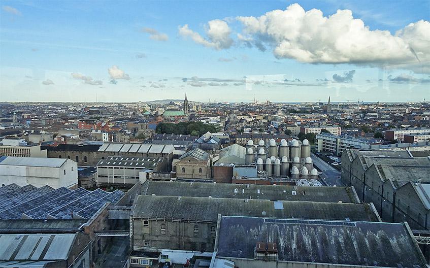 Blick auf das Gelände von Guinness und Dublin