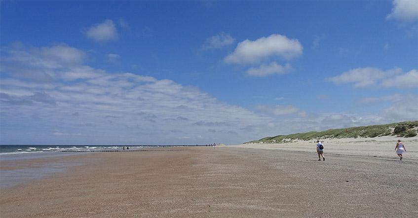 Riesiger Strand - auch in der Hochsaison nicht voll