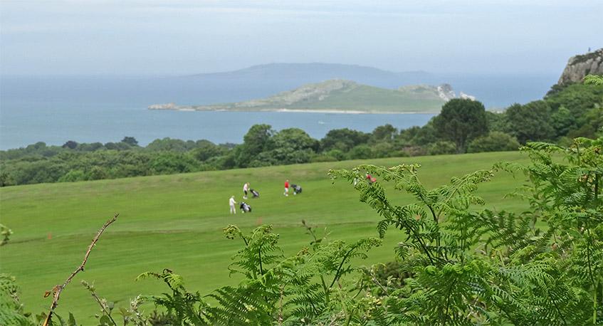 Wanderung über den Golfplatz