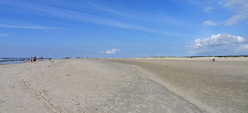 Strand (fast) ohne Leben