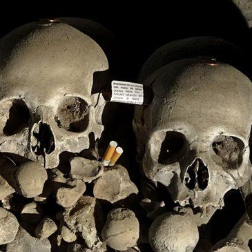 Neapel – Friedhof Fontanelle