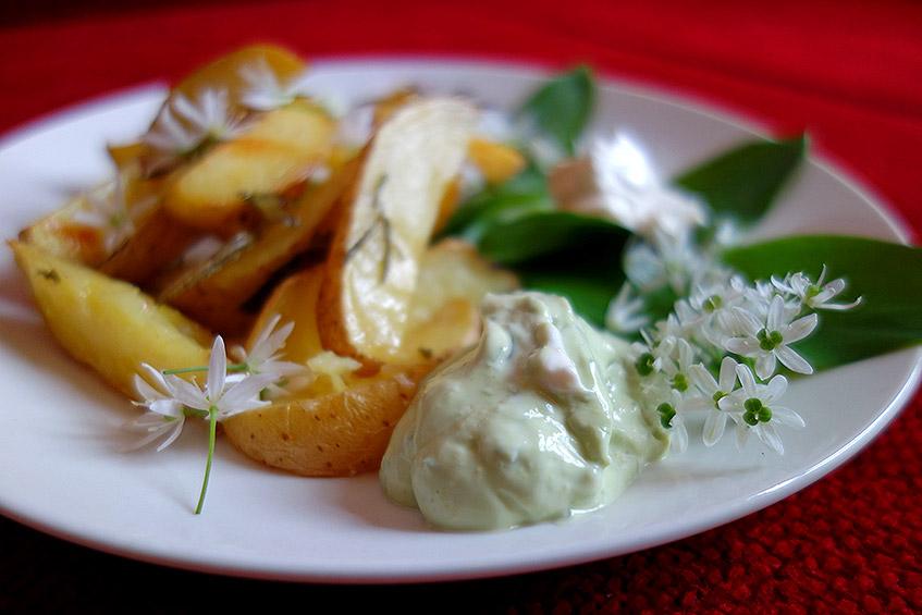 Bärlauch in der Mayonnaise - vegane Aioli ohne Knofiduft