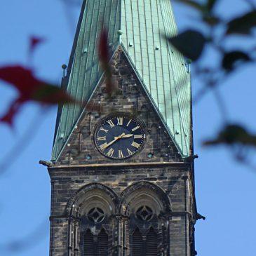 St. Petri Dom: Himmel, Erde und die Sache mit der Zeit
