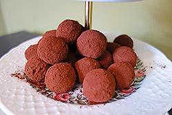 Bällchen Feige, Cashew, Flocken und Kakao