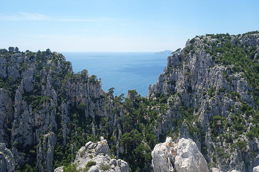 Blick von der Calenque d'En-Vau auf das Meer