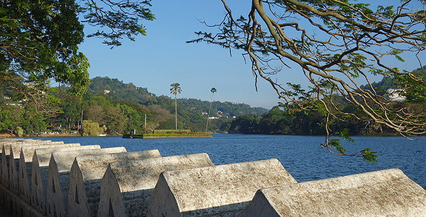Der berühmte See in Kandy