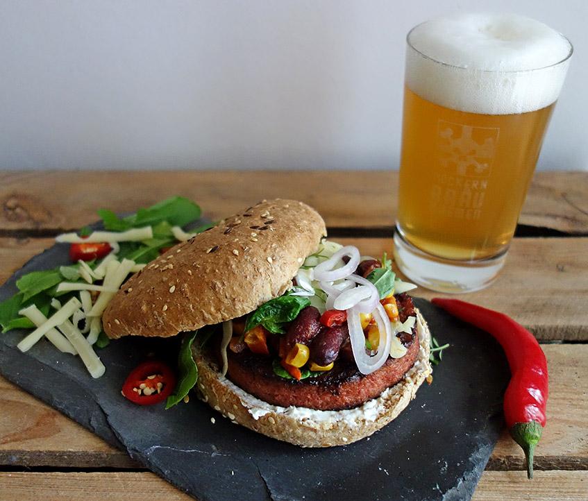 Foodpairing - fruchtiges Pale Ale und scharfer Chili-Burger