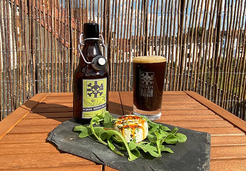 Bier Dark Dandelion mit Ziegenkäse